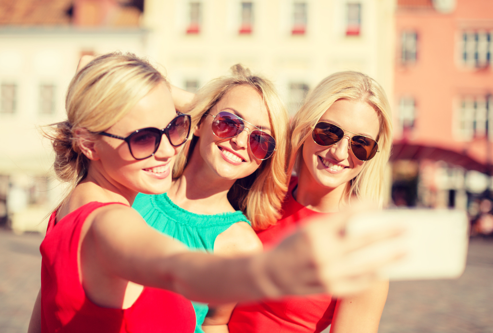 Bride to be and hens taking a selfie • Hen Party by Holiday Hamster