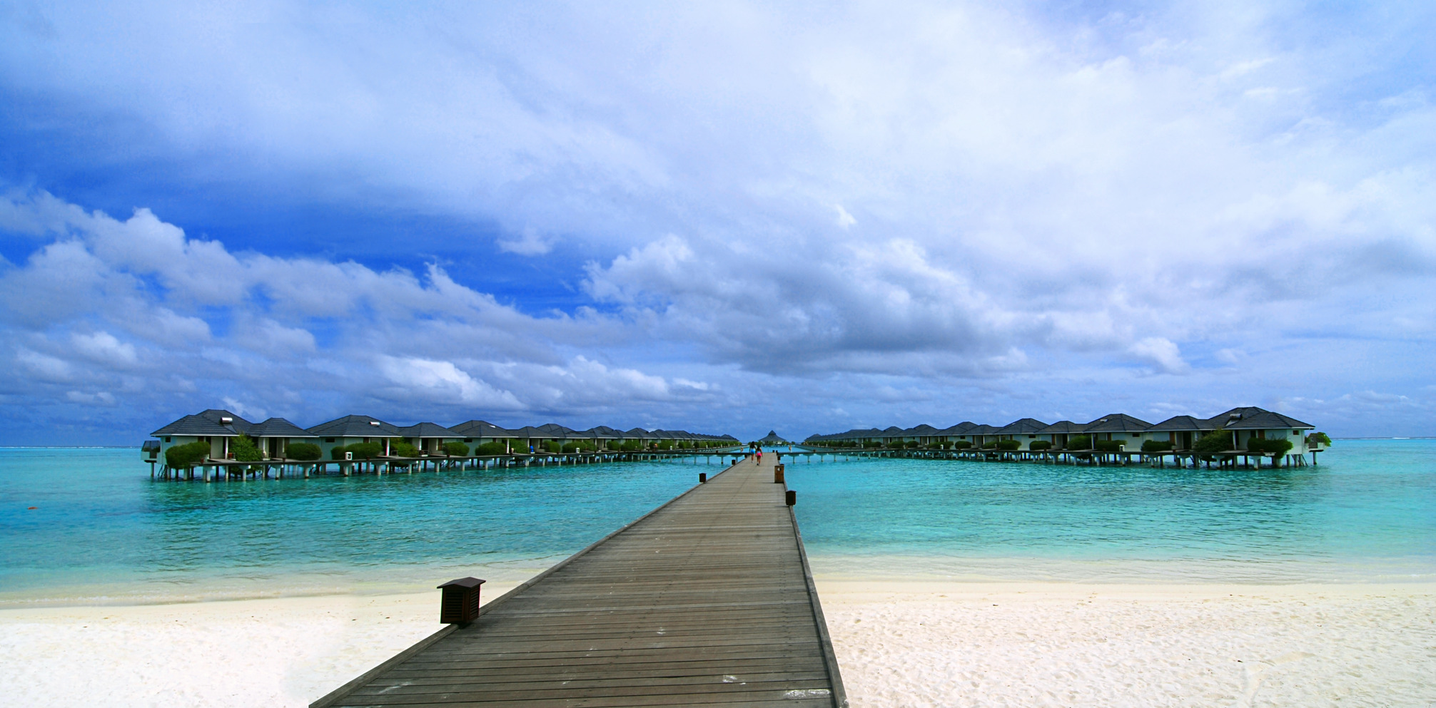 Water bungalows • Luxury Holidays by Holiday Hamster