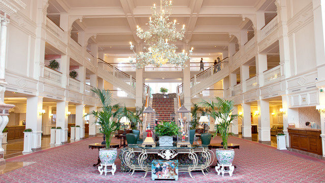 Lobby of the Disneyland Hotel, Disneyland Paris