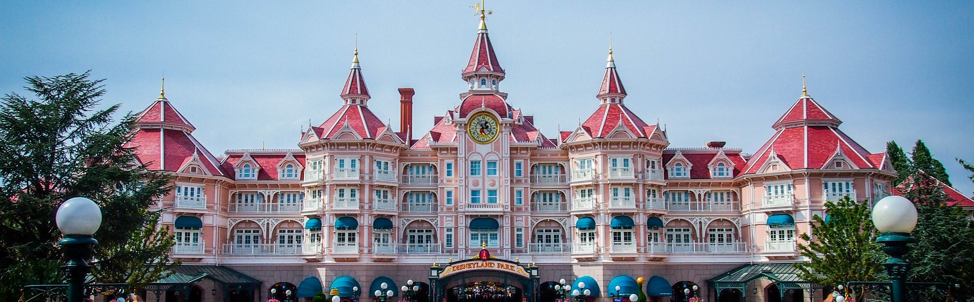 Disneyland Hotel, Disneyland Paris by Holiday Hamster