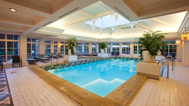 The Disneyland Hotel Swimming Pool, Disneyland Paris