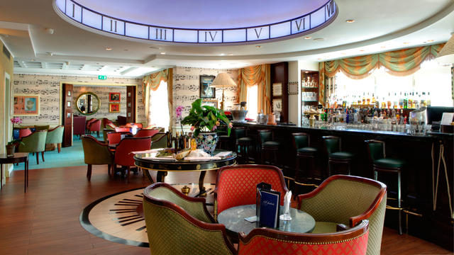 Cafe Fantasia, Disneyland Hotel