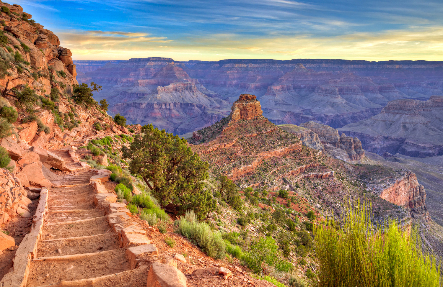 South Kaibab Trail at sunrise, in Grand Canyon