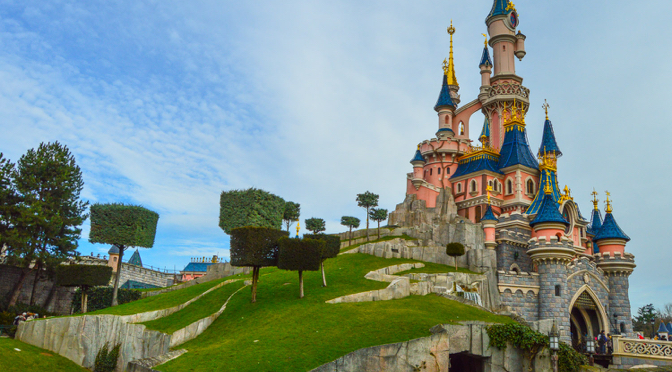 Click to View Hotels near to Disneyland Paris