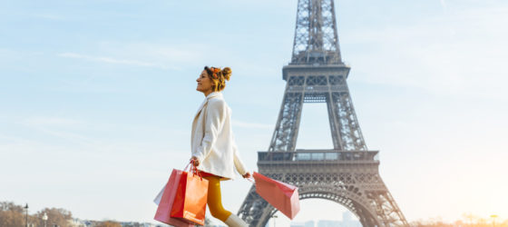 Young woman shopping in Paris